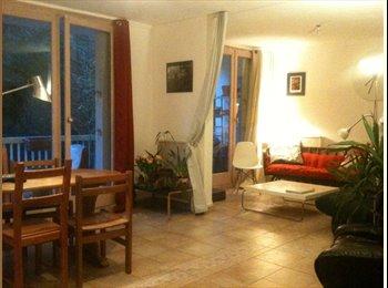 Appartager FR - Hauts de Ménilmontant - Chambre de 10m2 dans Coloc - 20ème Arrondissement, Paris - Ile De France - 614 € /Mois