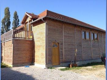 Appartager FR - Maison neuve en bois, Chartres - 380 € /Mois