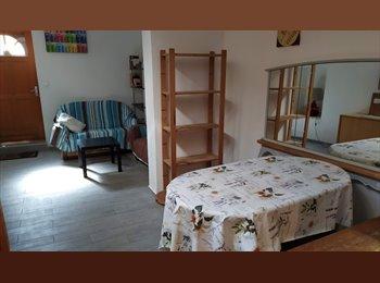 Chambres dans maison meublée en coloc étudiante Intra...