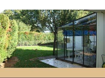 Appartager FR - LOUE CHAMBRE AVEC SALLE DE BAIN PRIVATIVE - Dammarie-les-Lys, Paris - Ile De France - 350 € /Mois