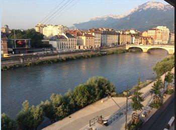 Appartager FR - Charmbre spacieuse avec vue sur l'Isère , Grenoble - 330 € /Mois