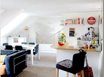 Appartager FR - Grande chambre double Asnieres Gare - Asnières-sur-Seine, Paris - Ile De France - 650 € /Mois