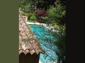 Appartager FR - Roquefort- les- pins grande chambre dans  maison - Roquefort-les-Pins, Nice - 700 € /Mois