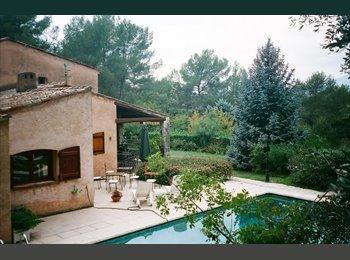 Appartager FR - grande chambre dans maison avec piscine - Valbonne, Cannes - 700 € /Mois