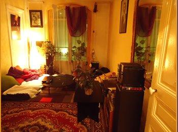 Proche Montmartre gde chambre ds spacieux F3 75 m2