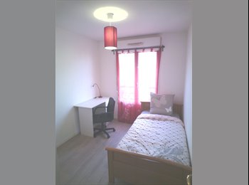 chambre tout confort à 2 pas du RER E : Chelles-Gournay