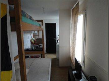 Appartager FR - 2 chambres pour étudiants proche fac de médecine - Lille-Centre, Lille - 350 € /Mois