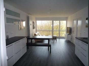 Chambre à louer dans grande colocation meublée super...