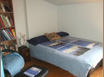 Appartager FR - Chambre chez Nanny sympa, 12 m² centre St Genis L. - Saint-Genis-Laval, Lyon - 300 € /Mois