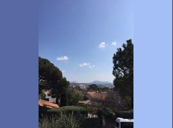 Appartager FR - Grand appartement de 80m2 à partager à 2 - Toulon, Toulon - 500 € /Mois