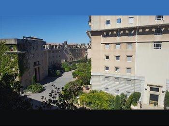 Appartager FR - Chambre Dispo Centre Ville (à côté la Gare Routiere), Aix-en-Provence - 500 € /Mois