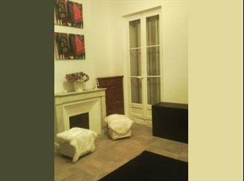 Appartager FR -  GARE SAINT CHARLES - JOLIETTE/ QUARTIER DES AFFAIRES EUROMED, Marseille - 450 € /Mois