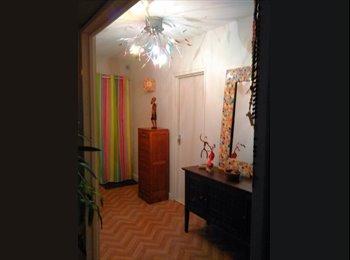 Loue chambre indépendante  pour étudiante dans appartement...
