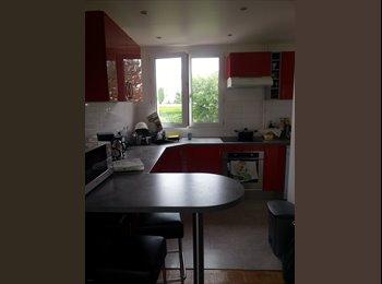 Appartager FR - Chambre à louer dans vaste appartement - Champigny-sur-Marne, Paris - Ile De France - 550 € /Mois
