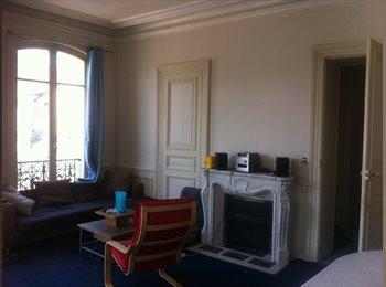 Appartager FR - Chambre au coeur du centre ville dans grande coloc - Troyes, Troyes - 208 € /Mois