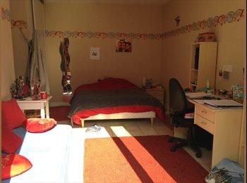 Appartager FR - Loue chambre chez l'habitant, spacieux à Cergy - Cergy, Paris - Ile De France - 420 € /Mois