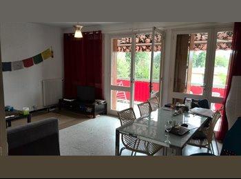 Appartager FR - COLOCATION GRAND APPART 80M PROCHE DU CENTRE VILLE - Aix-en-Provence, Aix-en-Provence - 480 € /Mois