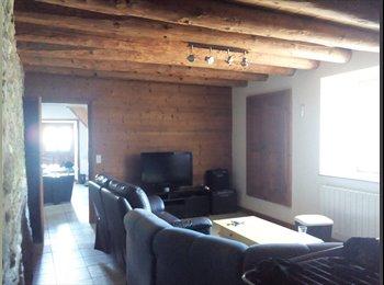 Appartager FR - T4 dans maison - La Roche-sur-Foron, Annecy - 480 € /Mois