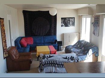 Appartager FR - Chambre à louer en centre-ville - Caen, Caen - 250 € /Mois