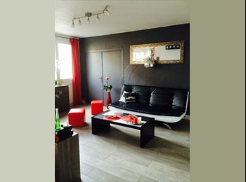 Appartager FR - cherche une collocatrice -appart neuf - Grands boulevards, Grenoble - 360 € /Mois