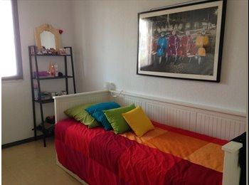Appartager FR -  chambre dans  quartier proche de ttes commodités, - Port-Marianne, Montpellier - 400 € /Mois
