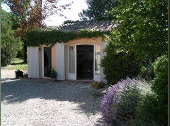 Appartager FR - Studio isolé campagne aixoise - Aix-en-Provence, Aix-en-Provence - 1200 € /Mois