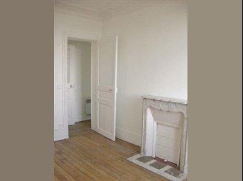 Chambre dans bel appart de 55m2 à Puteaux