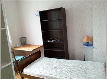 Appartager FR - Chambre avec sdb privé - quart. St Honoré, Amiens - 320 € /Mois