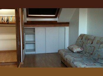 Appartager FR - Chambre meublée pour étudiant dans une grande maison - Roubaix, Lille - 280 € /Mois
