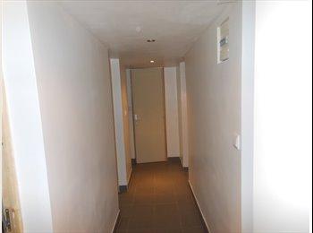 Appartement en sous-sol à 5 min du RER C et du TVM