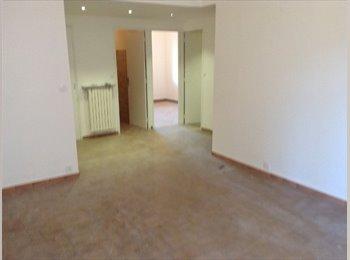 T.3 avec 2 gdes chambres et avec exterieur,.Joliette/saint...