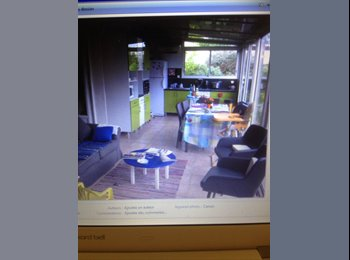 Appartager FR - Appartement  ds maison 70m2 côté jardin totalement indépendant . - La Rochelle, La Rochelle - 300 € /Mois