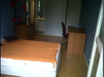 Appartager FR - Colocations dans grand appartement tout confort - Compiègne, Compiègne - 370 € /Mois