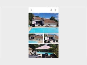 Appartager FR - belle villa de 238 m av piscine près de Bordeaux - Le Lac, Bordeaux - 495 € /Mois