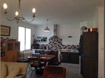 Appartager FR - VILLA EN COLOCATION - Morières-lès-Avignon, Avignon - 450 € /Mois