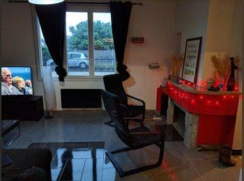 Appartager FR - Chambre dans grande maison - Pessac, Bordeaux - 350 € /Mois