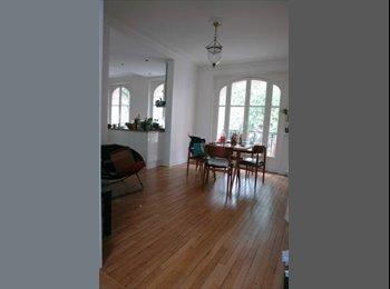 Appartager FR - Chambre à sous-louer dans une très belle collocation - 18ème Arrondissement, Paris - Ile De France - 700 € /Mois