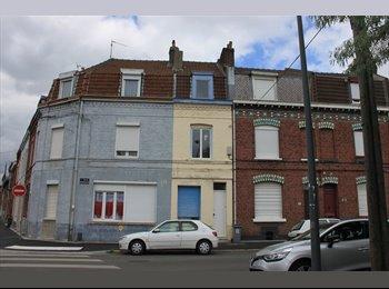 Appartager FR - maison 1930 à louer - Fives, Lille - 810 € /Mois