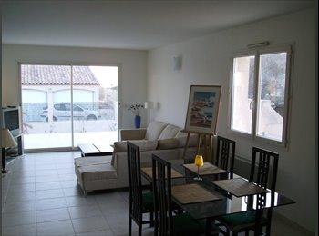 Appartager FR - HELLLO BIENVENUE CHEZ NOUS - Frontignan, Montpellier - 260 € /Mois