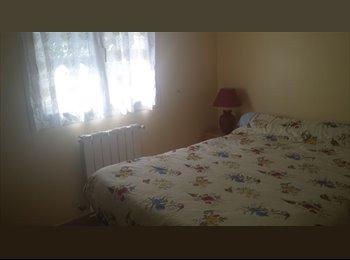 Appartager FR - colocation dans une belle villa a veaucaire - Beaucaire, Nîmes - 900 € /Mois