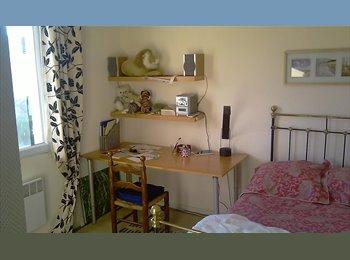 Appartager FR - Nord d'Aix dans villa très calme - Aix-en-Provence, Aix-en-Provence - 380 € /Mois