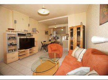 Appartager FR - Appartement 2 pièces Meublé 52m² - 8ème Arrondissement, Paris - Ile De France - 650 € /Mois