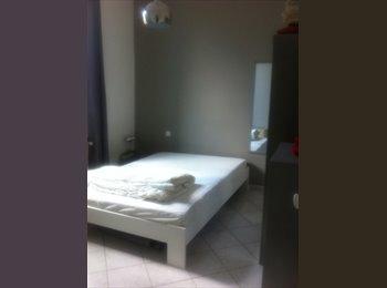 Appartager FR - Chambre meublée dans maison aux arceaux - Montpellier-centre, Montpellier - 390 € /Mois