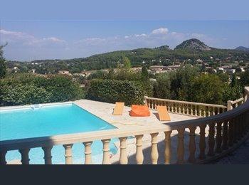 Appartager FR - Chambres à louer dans une grande villa à Bouc Bel Air  - Bouc-Bel-Air, Aix-en-Provence - 500 € /Mois