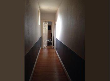Chambre dans appartement 100m2