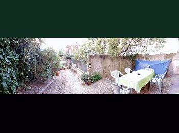 Appartager FR - Coloc 154m² avec jardin Lyon 1 pentes croix rousse cherche 5eme membre ! - 1er Arrondissement, Lyon - 391 € /Mois