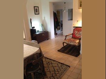 Appartager FR - Loue deux chambres (11 m2 et 8 m2 avec un grand placard) - Champigny-sur-Marne, Paris - Ile De France - 500 € /Mois