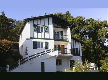 Appartager FR - Chambre meublée  grande maison au calme. CHARGES COMPRISES + eau , électricité, gaz, Biarritz - 380 € /Mois