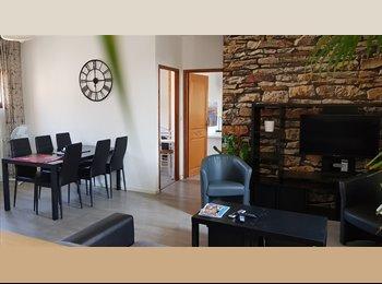 Appartager FR - Appartement T3 Intra muros 5mn de fac  libre de suite, Avignon - 430 € /Mois