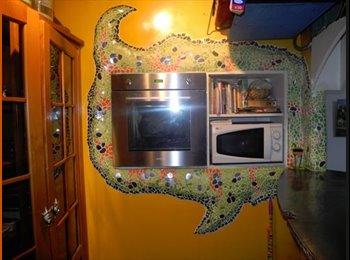 Appartager FR - chambre à louée dans maison/ atelier - Champigny-sur-Marne, Paris - Ile De France - 450 € /Mois